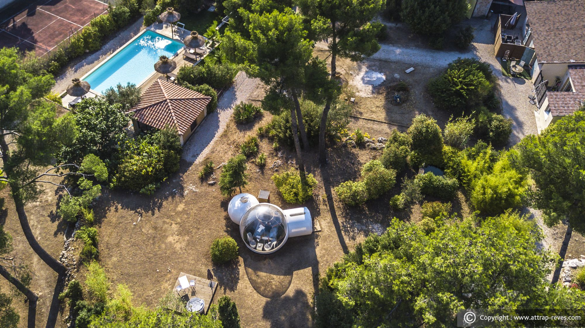 ATTRAP'RÊVES BUBBLE HOTEL at Allauch for an unusual night